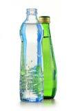 2 бутылки минеральной вода изолированной на белизне Стоковые Изображения RF