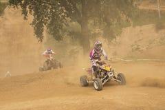 2 всадника в гонке квада Стоковые Фотографии RF