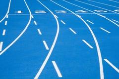 2 голубая линия гонка начиная след Стоковые Фотографии RF