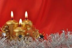 2 горящих свечки красно Стоковая Фотография RF