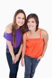 2 девочка-подростка полагаясь вперед Стоковое фото RF