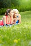 2 девушки пригодности напольной Стоковая Фотография