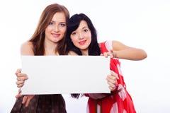 2 девушки с знаменем. Стоковые Изображения RF