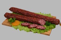 2 деревянного доски курят сосиской, котор Стоковые Фотографии RF