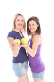 2 женщины с яблоками Стоковые Изображения RF
