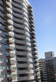2 здания которое обеспечивают взгляд балкона. Стоковая Фотография RF