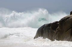 2 злющих волны одичалой Стоковые Изображения