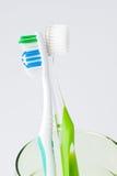 2 зубной щетки в стекле Стоковое Изображение RF