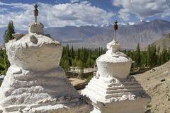 2 исторических stupas Стоковое Фото