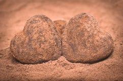 2 камня романтичных сердца форменных Стоковое Изображение