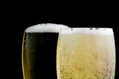 2 каннелюры с пузырями золота шампанского Стоковая Фотография