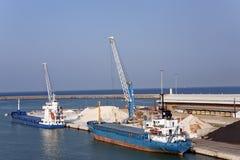 2 корабля в гаван индустрии Стоковые Изображения
