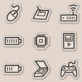 2 коричневых иконы электроники контура установили сеть стикера Стоковые Фотографии RF