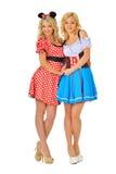 2 красивейших белокурых женщины в costumes масленицы Стоковое фото RF