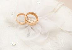 2 обручального кольца Стоковые Изображения