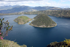 2 острова в озере Cuicocha Стоковые Изображения RF