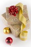 2 подарка на рождество, шарик рождества 2 Стоковое Фото