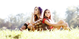 2 подружки напольной Стоковое фото RF