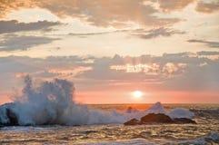 2 разбивая волны Стоковая Фотография
