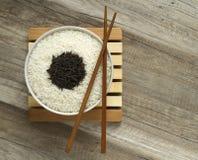 2 разнообразия сухого риса Стоковые Фото