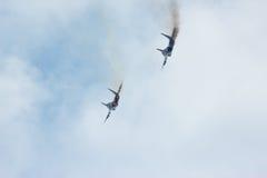 2 русский реактивный истребитель MIG-29 делает virage Стоковое Изображение