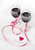 2 стекла вина и сердца Стоковые Изображения RF