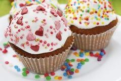 2 торта пасхи на белой плите Стоковая Фотография