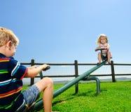 2 дет в спортивной площадке Стоковое Фото