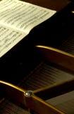 2小型三角钢琴于 图库摄影