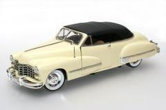 2 1947年卡迪拉克汽车金属缩放比例玩具 免版税库存照片