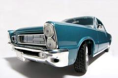 2 1965 för pontiac för metall för bilfisheyegto toy scale Arkivbilder