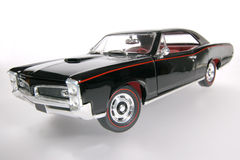 2 1966 wideangel игрушки маштаба pontiac металла gto автомобиля Стоковое фото RF