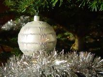 2个球圣诞节 免版税图库摄影