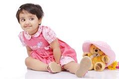 2 3 behandla som ett barn gammala år för flicka Royaltyfria Bilder
