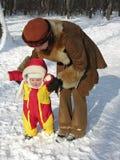 2个婴孩第一步冬天 库存照片