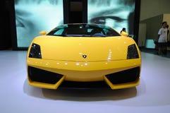 2 550辆小轿车gallardo lamborghini lp黄色 免版税库存照片
