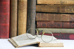2 antic βιβλία Στοκ εικόνα με δικαίωμα ελεύθερης χρήσης