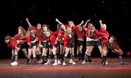 - 2 APRIL: Dansende groep Belka Stock Afbeelding