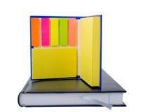 2 böcker isolerad anmärkning Fotografering för Bildbyråer