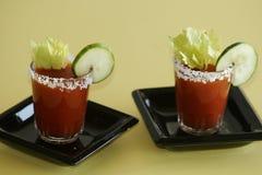 2 bebidas do cocktail de Mary sangrenta imagens de stock royalty free