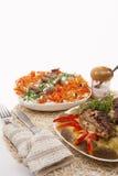 2 belarussian национальных еды включая зажженное мясо с месивом Стоковая Фотография RF