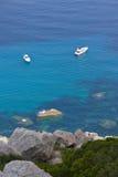 2 Boote im Meer Stockbilder