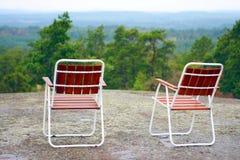 2 campchairs на горной вершине Стоковая Фотография
