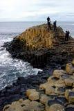 2 causewayjättar nordliga ireland Arkivbild