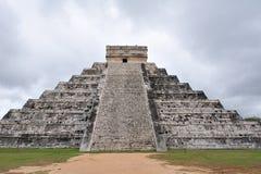 2 chichen det mayan tempelet för itzaen Royaltyfri Foto