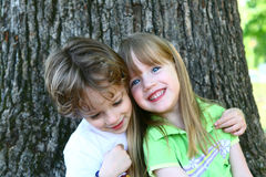 2 children discovering nature Royalty Free Stock Photography