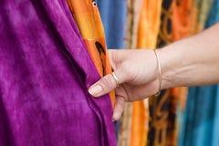 2 dotykania tkaniny Zdjęcia Royalty Free