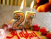 2 födelsedagstearinljus tända Royaltyfria Foton