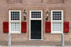 2 fönster för dörringångslyktor Arkivfoton
