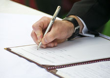 2 fornalów regester podpisywania ślub Zdjęcia Royalty Free